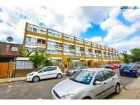 Four bedroom maisonette with a lovely garden seconds from Mile End Station LT REF: 4570283