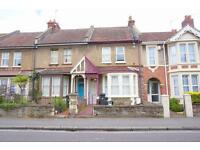 2 bedroom flat in Newbridge Road, St Annes, Bristol, BS4 4DR