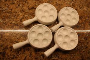 4 plats à escargots en porcelaine 6 trous,avec poignées
