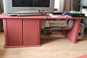 Meuble de télévision et table
