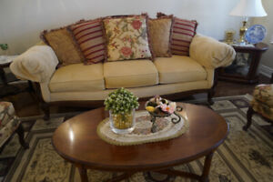 3-SEATER LIVING ROOM SOFA (MADE IN THE US)