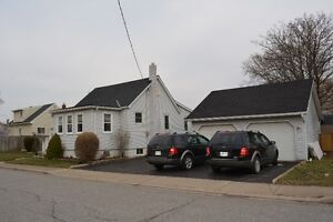 Just Listed! Home on a double lot Close to Brock in Thorold