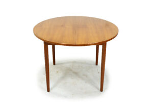 MCM Round Extendable Teak Dining Table