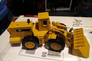 Ertl 1:50 Caterpillar 988B Wheel Loader