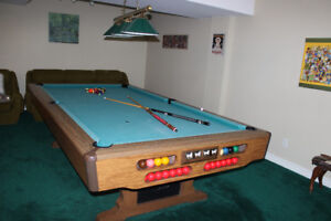 Brunswick 8 foot snooker table