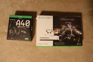 Xbox One S 500gb - Shadow of War, Astro A40 Gaming Headset