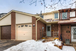 3-BEDROOM, 2-BATHS FREEHOLD TOWNHOME IN WEST GALT