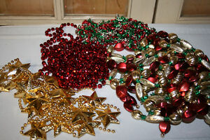 Christmas Garland- Tinsel, wooden & plastic beads-See photos Belleville Belleville Area image 6