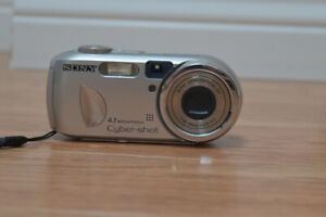 SONY DIGITAL CAMERA FOR SALE!