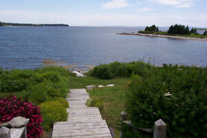 FALL VACATION - Ocean Front HOME- on St Margarets Bay