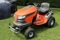 2009 Husqvarna Lawn Tractor 2348LS With 24.8 Hours
