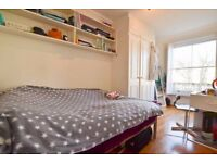 Double room in Queen's Gardens, Paddington W2