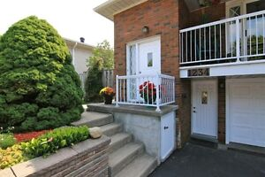 Semi-Detached Raised Bungalow in Mississauga Woodland