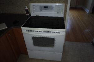 Range - Kenmore, White, Glass Cook Top, 5 Burners, Convection