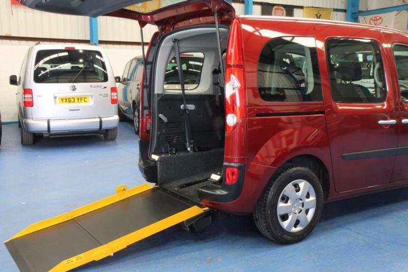 renault kangoo expression auto wheelchair accessible car vehicle