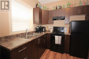 2 bed 1 bath ground level suite available March 1