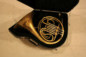 "Olds French Horn Made in USA tuned in ""F"""