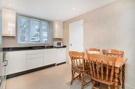 STUNNING 5/6 BED HOUSE * MOMENTS FROM KINGS CROSS * BILLS INCLUDED*