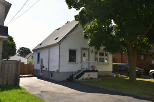 Hamilton Mountain Cute 1 1/2 stry 3+1 Bedroom w/detach garage