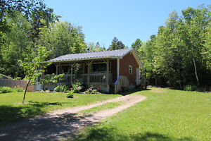 House with water view and 2 min. walk to beach on Bay of Fundy