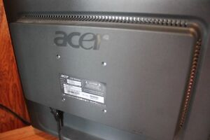 """17"""" ACER Computer Monitor Excellent Condition VGA Connection Kitchener / Waterloo Kitchener Area image 5"""