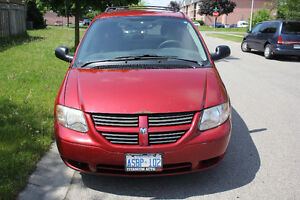 PRICED TO SELL *** 2005 Dodge Grand Caravan Stow N Go ** READ AD