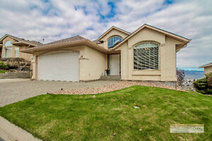 Gorgeous Entry Level Bare Land Strata Home in Crestview Heights