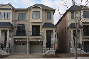 EXECUTIVE TOWNHOUSE FOR RENT - CAWTHRA & LAKESHORE