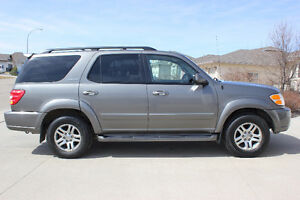 *Reduced*2003 Toyota Sequoia LIMITED, DVD, Heated leather, 4WD