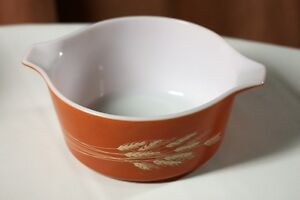 "Pyrex Casserole Pattern ""Autumn Harvest"" 1.5lt size vintage Kingston Kingston Area image 2"
