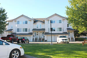 Beautiful 3 bed, 3 bath Townhome near Schools and Parks