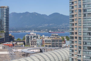 Luxury 2 Bedroom Suite in Downtown with Ocean Views!!!