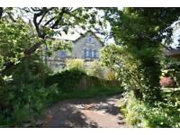 Studio flat in Upper Oldfield Park, Bath, Somerset, BA2