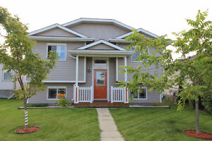 FANTASTIC BUNGALOW COMPLETELY FINISHED UP AND DOWN IN CAMROSE
