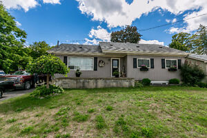 Beautiful spacious 4 bedroom home on large lot in Angus!