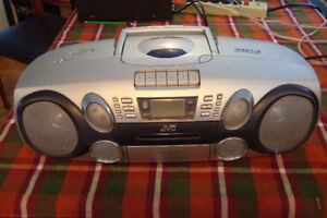 Mini système JVC :   Radio AM-FM , CD et Cassette K7