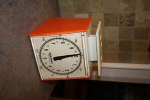 Vintage 1970's SOEHNLE Kitchen Scale.