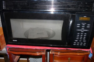 DELUXE GE MICROWAVE OVEN LARGE SIZE
