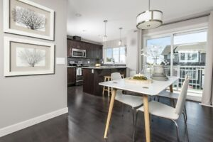3 BDRM LUXURIOUS TOWNHOME W DOUBLE GARAGE!
