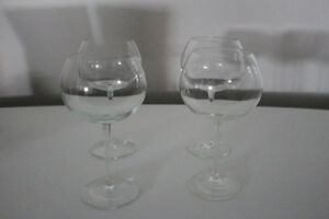 4 BIG WINE GLASSES ,VERS DE VIN very nice!