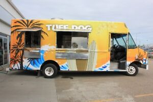 Newly Build customized food truck, one of a kind ready to start!