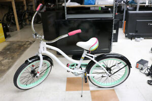 **ZOOM** Huffy Cranbrook Girl's Pink and White Bicycle (#16887)