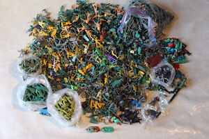 LARGE LOT TOY SOLDIERS - HUNDREDS MOSTLY MILITARY THEME Kitchener / Waterloo Kitchener Area image 1