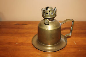 Old Veritas Combination Finger/Wall Mount Brass Oil Lamp
