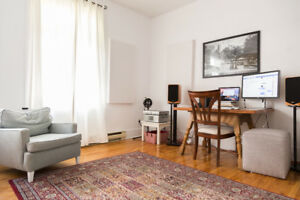 SWAP // EXCHANGE Clean, Bright, Spacious 4 1/2 in the Mile End!!