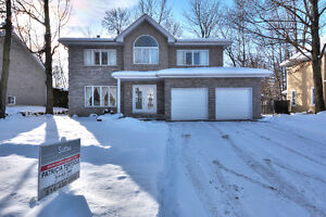 True Family Home!  (West Island / Salaberry-de-Valleyfield West Island Greater Montréal image 5