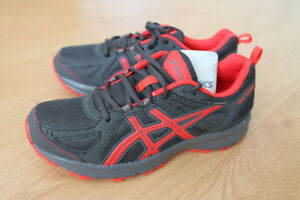 New Asics Trail-Tambora 5 Running Shoes size 7