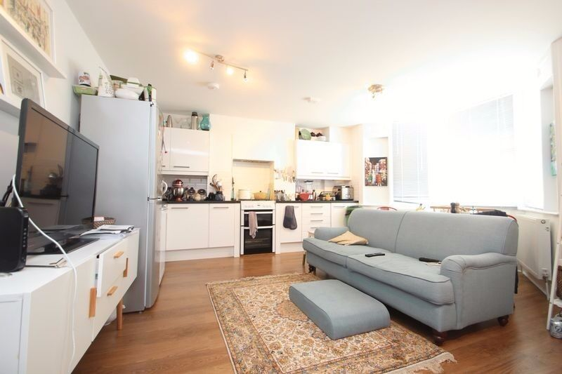 LOVELY 2 BEDROOM, 2 BATHROOM GARDEN FLAT SET ON A RESIDENTIAL ROAD MOMENTS FROM TUFNELL PARK TUBE