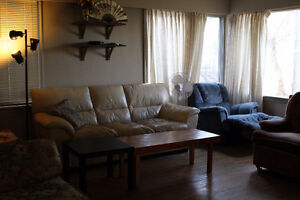 Rooms available for rent ($350/mo) near Whyte Ave and UofA