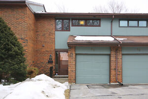 OPEN HOUSE SUN 2-4PM - Fully Renovated Townhome in Kanata